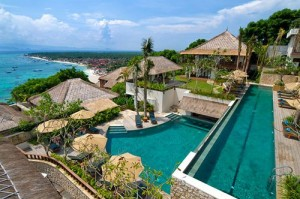 Lembongan Infinity swimming pool