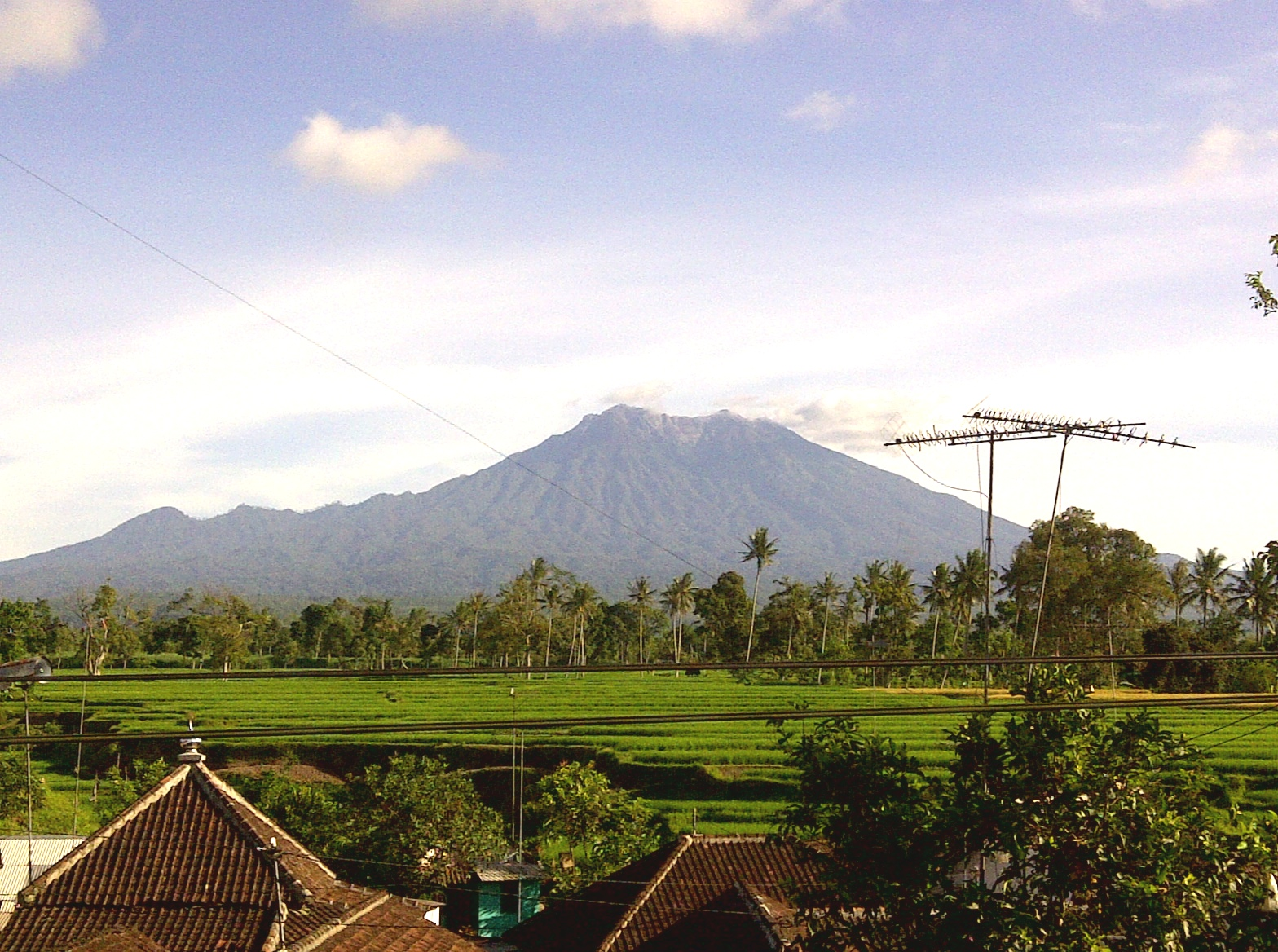 raung_mountain_view_from_kalibaru_wetan_east_java_indonesia